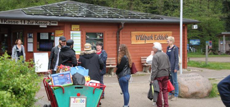 Ausflug in den Wildpark Eekholt mit den Flüchtlingen