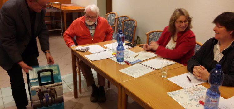 WTE-Vorstand wiedergewählt – Bürgermeister überreicht Schulungskoffer